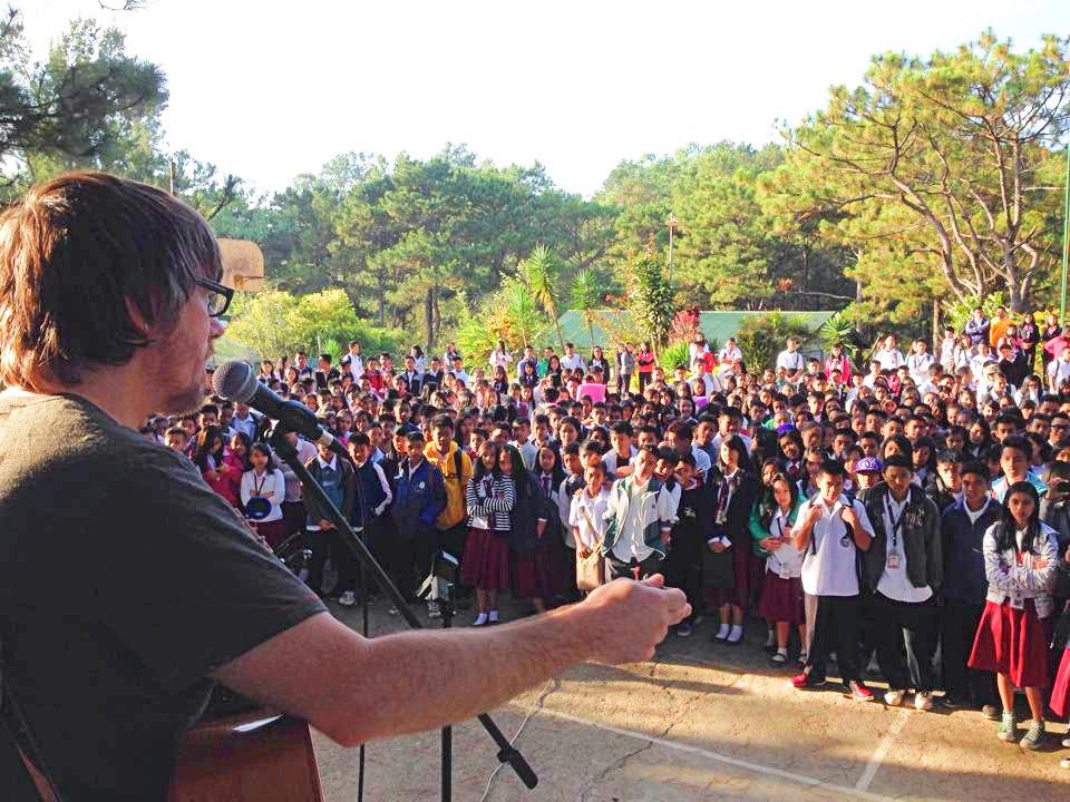 juan-speaking-philippines-crowd